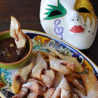 Chiacchiere di Carnevale e Sanguinaccio. Fat Tuesday with a recipe from my hometown, fried sweet dough and chocolate pudding.